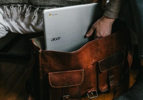 持ち運びやすいゲーミングノートPCを徹底検証!とにかく軽い最薄・最軽量パソコンと故障しない持ち運び方